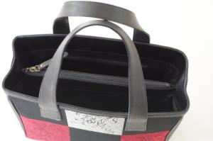 赤い和柄トートバッグ・持ち手の拡大写真