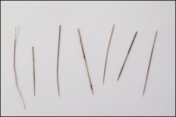 古い帯に混入していた針1