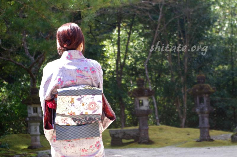西明寺の後ろ姿な着物女子