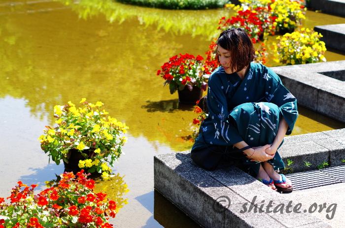 花と大人浴衣コーデな女子のポートレート