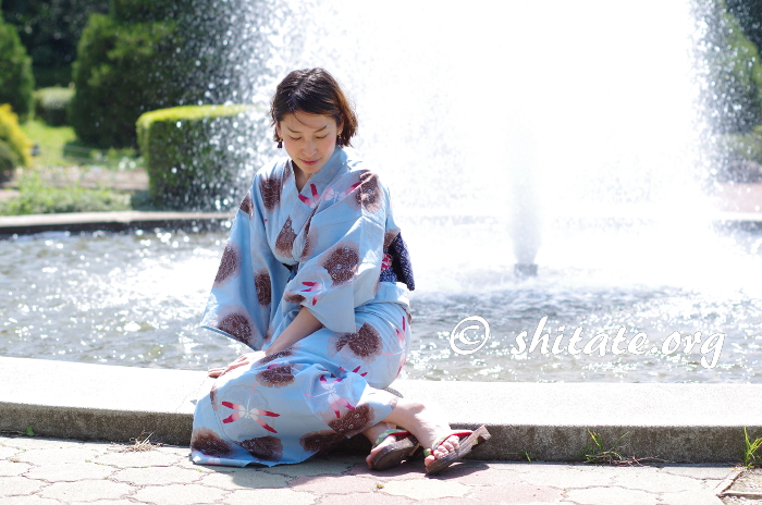 京都植物園の噴水と浴衣女子のポートレート写真