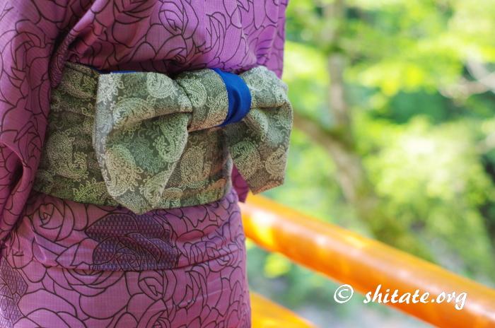 紫の浴衣+グレーの帯