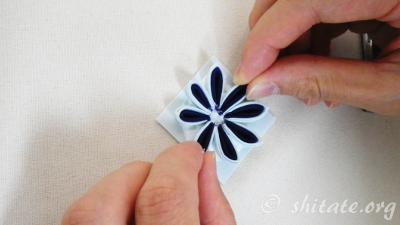 二重剣つまみ花の作り方24