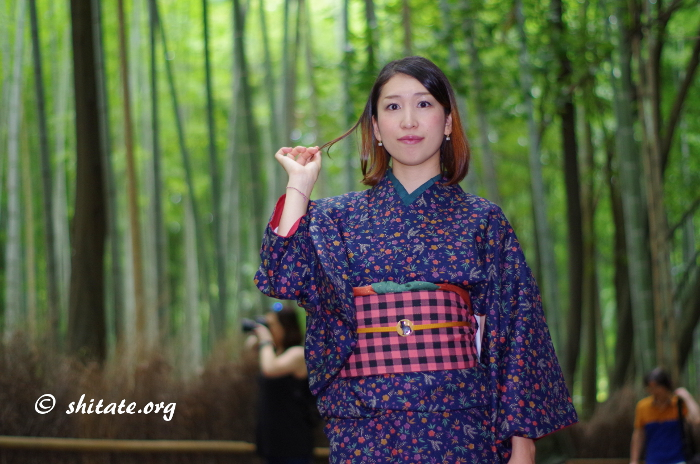 嵐山の竹林で着物ポートレート