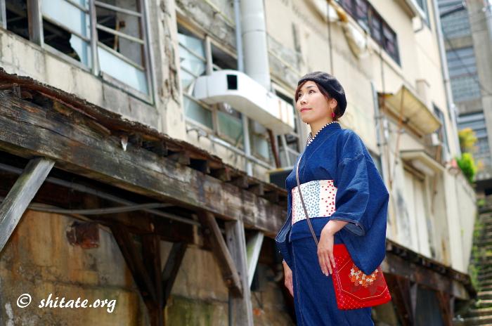 デニム着物のコーディネート・廃墟でポートレート