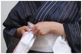 浴衣帯結び方 帯の両端開く2-右1