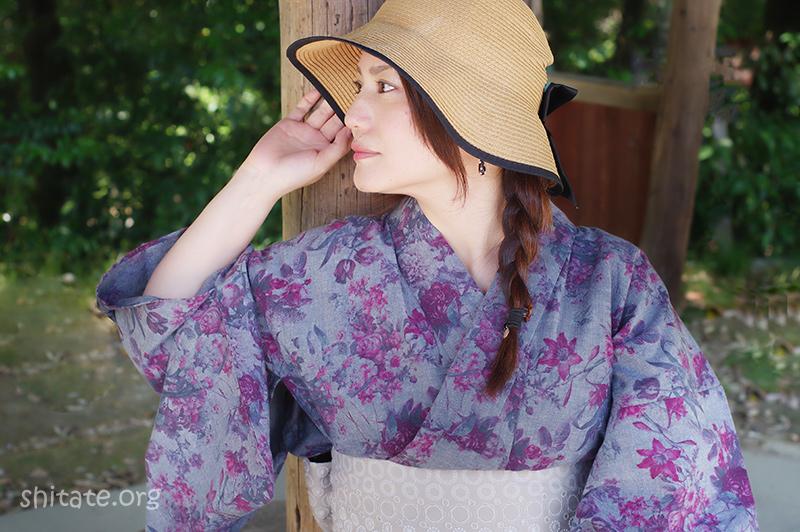 浴衣と麦わら帽子のコーディネート(バストアップ)