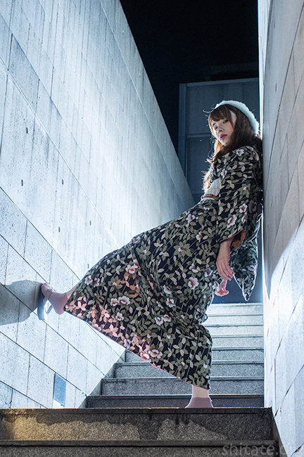 前衛的なエリス梨亜奈さん写真