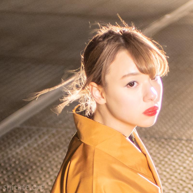金髪のエリス梨亜奈さん